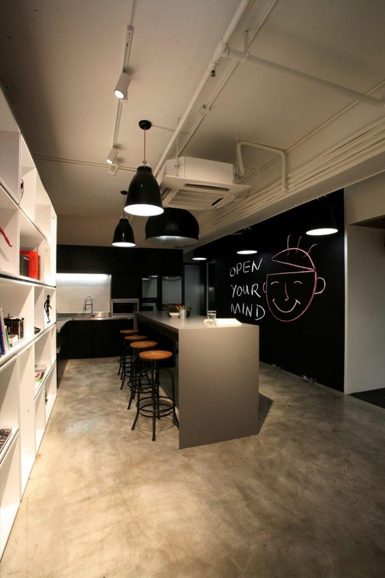 Hong Kong Office Space at Vanta Industrial Centre