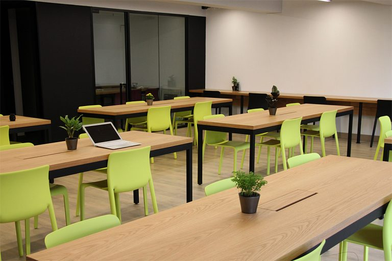 Office Room For Rent at Yu Yuet Lai Building